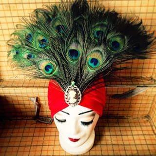 Kopfschmuck mit Pfauenfedern von Elli Fatale