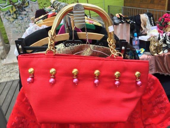 Vintage Handtaschen Liebe beim Old Fleas Vintage Market in Berlin