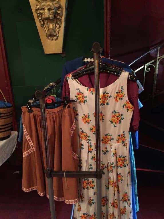 Vintage Mode wohin das Auge reicht beim Old Fleas Vintage Market