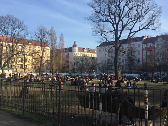 Ein typischer Sonntag am Boxhagener Platz, Berlin