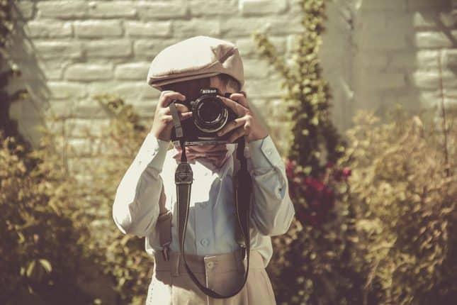#Frühlingsgefühle und #Hochzeitsglocken. Vintage #Hochzeit Ideen für deine #Traumhochzeit im 20er jahre Stil oder 30er Jahre Stil. Tipps zur Vintage #Hochzeitsdeko, für dein Vintage #Brautkleid und mehr. #VintageHochzeitsdeko #VintageBrautkleid #VintageHochzeit #HochzeitIdeen #VintageHochzeitIdeen #20erJahre #20erJahreStil #30erJahre #30erJahreStil