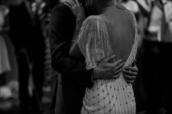 Frühlingsgefühle und Hochzeitsglocken. Vintage Hochzeit Ideen für deine Traumhochzeit im 20er jahre Stil oder 30er Jahre Stil. Tipps: Vintage Hochzeitsdeko.