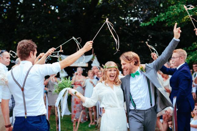 Boho-Hippie-Hochzeit im eigenen Garten Foto: Pink Pixel Photography