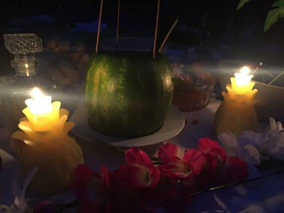 Melone im Kerzenschein