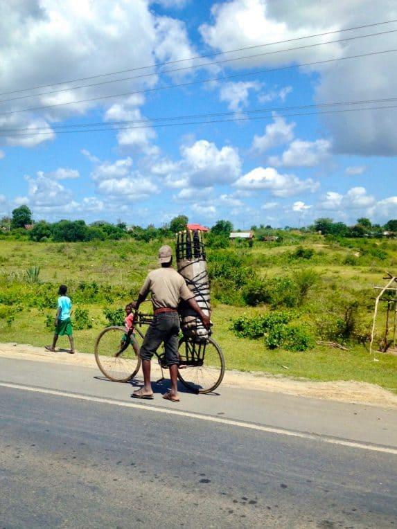 Straßenrand Impressionen aus Kenia