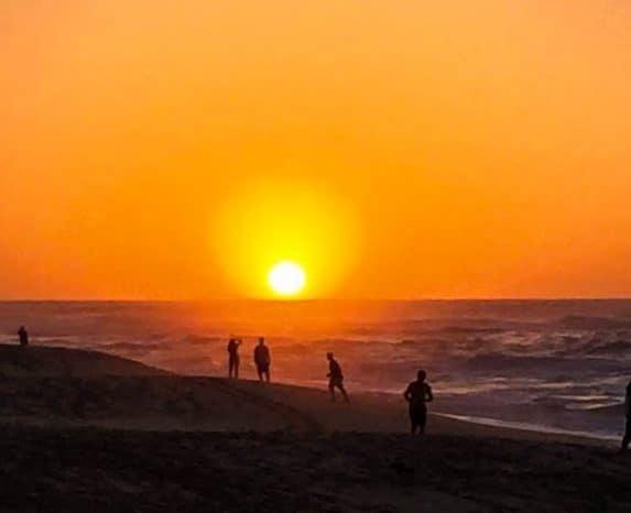 Die schönsten Orte für Sonnenaufgang & Sonnenuntergang Hawaii. Vulkan Haleakala Sonnenaufgang bis Sonnenuntergang am Sunset Beach. Sonnenaufgang Hawaii.