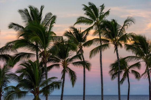 Die schönsten Orte für Sonnenaufgang & Sonnenuntergang auf Hawaii. Vulkan Haleakala Sonnenaufgang bis Sonnenuntergang am Sunset Beach. Sonnenaufgang Hawaii.