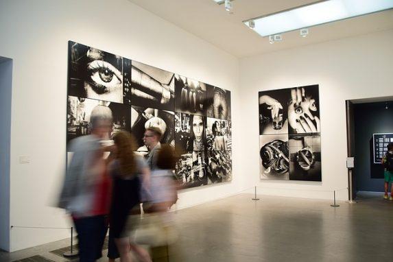 Galerie Kicken Berlin - Schwerpunkt 20. Jahrhundert. Fotografie der Moderne. Deutsche & tschechische Avantgarde der Zwanziger & Dreißiger Jahre. Bauhaus...