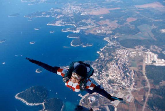 Außergewöhnliche Fakten über Kroatien. Der Erfinder des Fallschirms, ein Gründer der WHO & Kirchenglocken die für Knödel läuten. Willst du mehr?