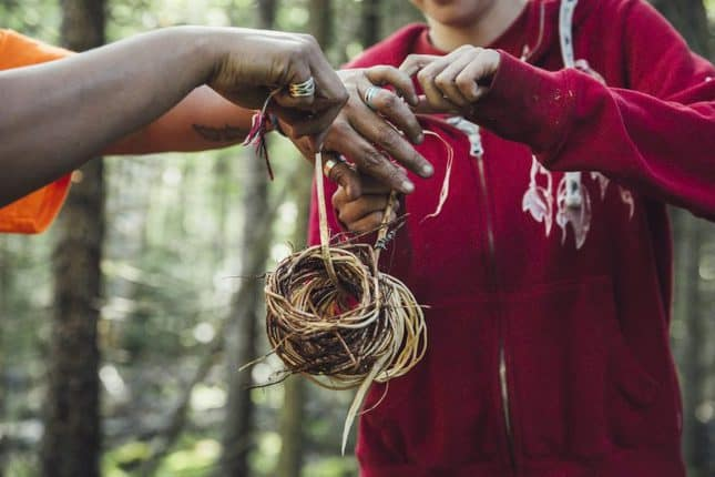 Eine Reise nach Kanada ist gerade nicht möglich? Entdecke Kanadas faszinierende Natur und Traditionen vom Wohnzimmer aus, mit diesen digitalen Erlebnissen.