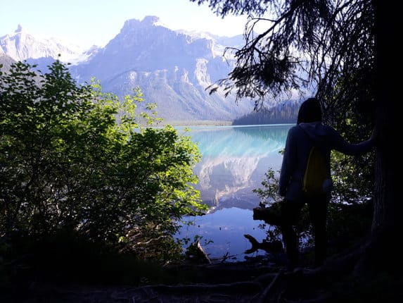 Jennifer ist eine introvertierte Reisende. Die Natur, das genießen und der Bruch mit dem Alltag stehen im Vordergrund ihrer Reisen. Reisen mit Achtsamkeit.