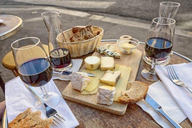 Frankreich ist das Land der Feinschmecker und Genießer. Mit Locaboat Holidays Frankreich kulinarisch vom Wasser aus entdecken.